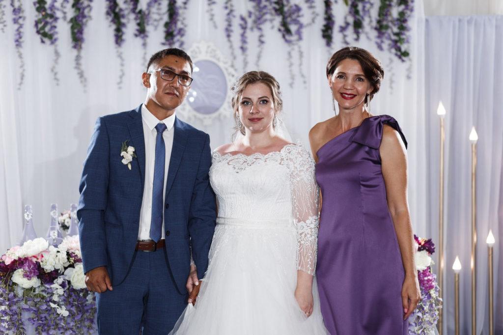 ведущий Арсенова Юлия, молодожены, жених с невестой