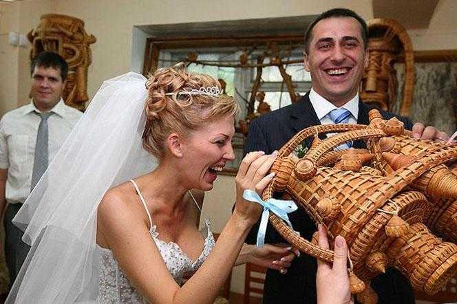 подарки на свадьбу. необычные подарки